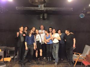 Stefanovski, le metteur en scène Dominique Dolmieu et la troupe de Syladavie à la Maison d'Europe et d'Orient